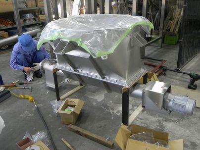 ステレンス製ホッパー付スクリューフィーダー